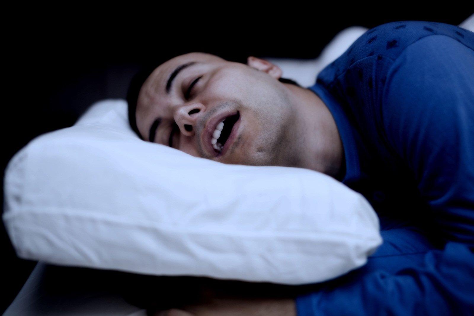 นอนกรนรุนแรง เสี่ยงหยุดหายใจ thaihealth
