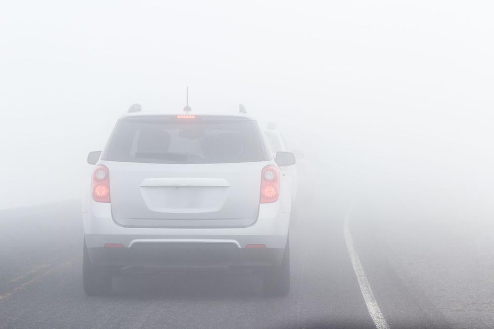 แนะ 7 วิธีปฏิบัติขับขี่ช่วงหน้าหนาวหมอกลงจัด thaihealth