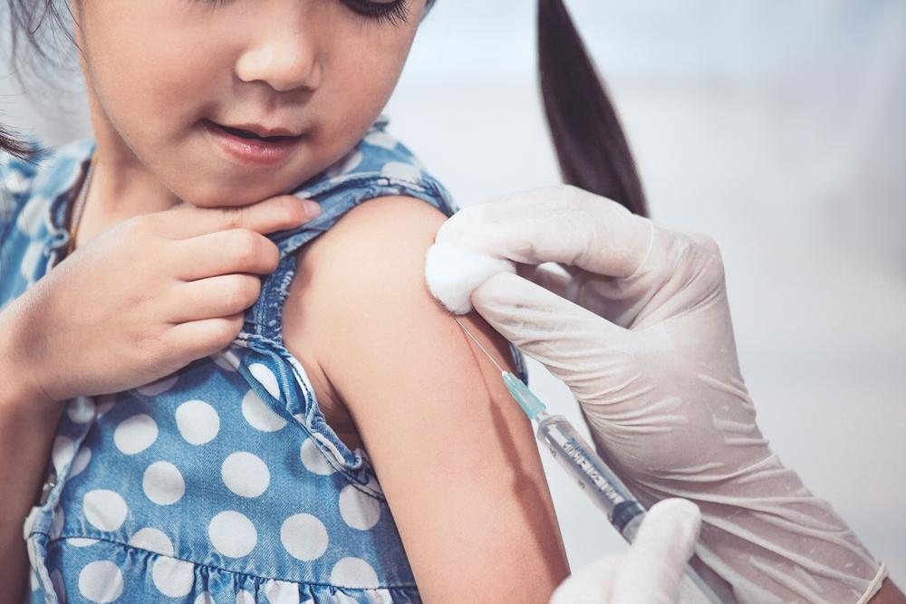 กรมควบคุมโรค เตือนพาบุตรหลานไปรับวัคซีนตามกำหนด thaihealth