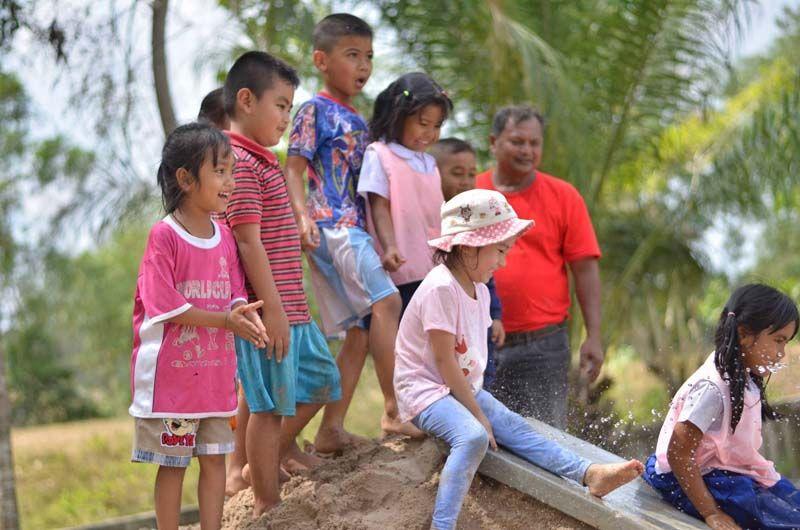 ฝึกอบรมสร้างสนามเด็กเล่นสร้างปัญญา จ.นครศรีฯ thaihealth