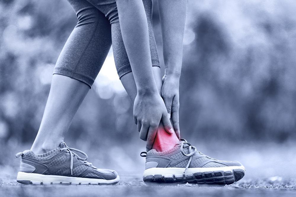 อย่าชะล่าใจ ข้อเท้าพลิก-แพลง thaihealth