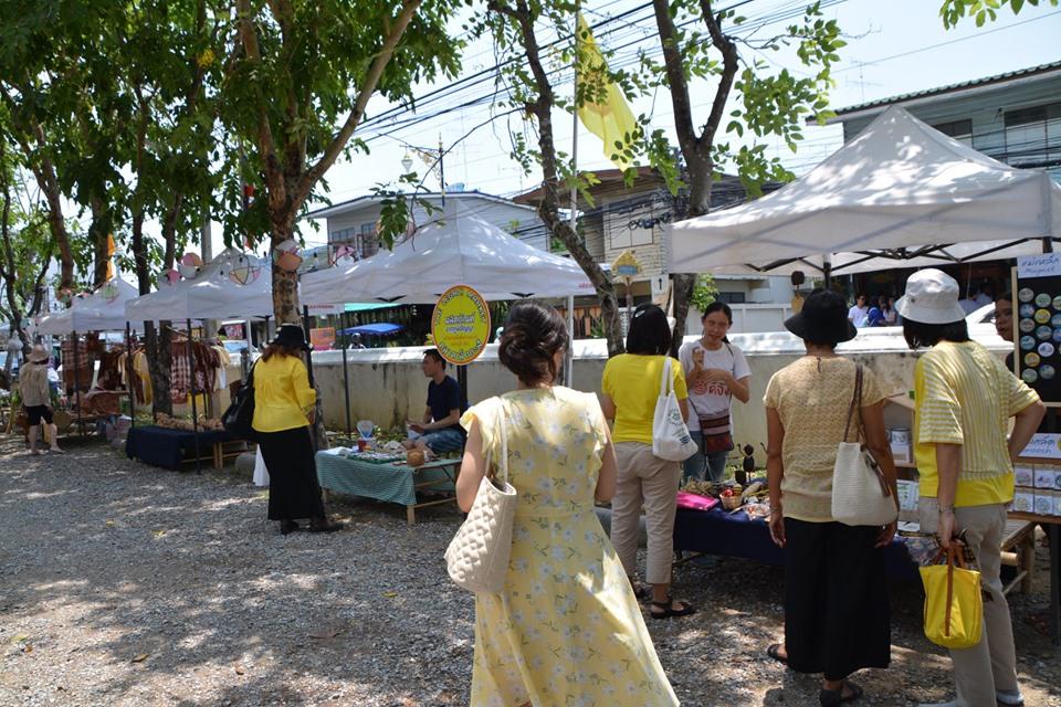 ตลาดเล็กกะสิ...10 ปี เพชรบุรี ดีจัง thaihealth
