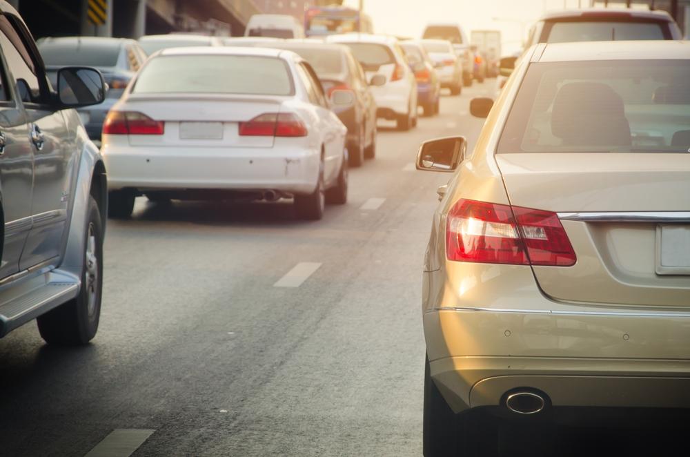 เรียนรู้หลักขับรถ แก้ไขเหตุรถเสียบนทางด่วนอย่างปลอดภัย thaihealth