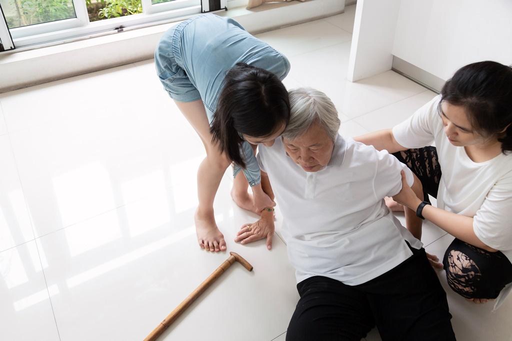 การปฐมพยาบาลผู้ป่วยที่เป็นลม thaihealth