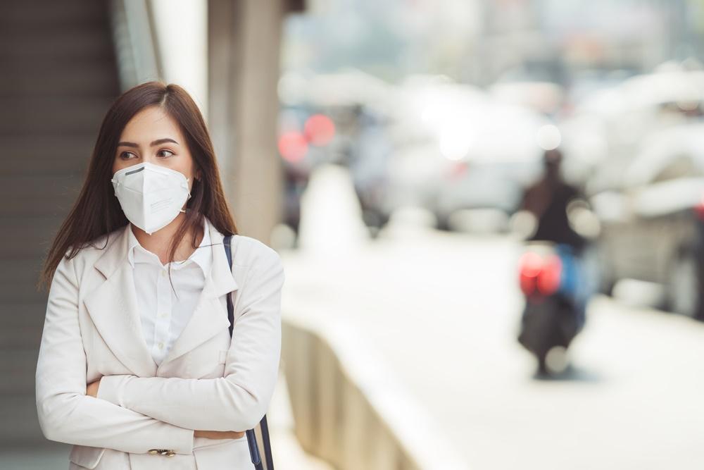 แนะประชาชนออกนอกบ้านเช็คค่าฝุ่น สวมหน้ากากป้องกันทุกครั้ง thaihealth