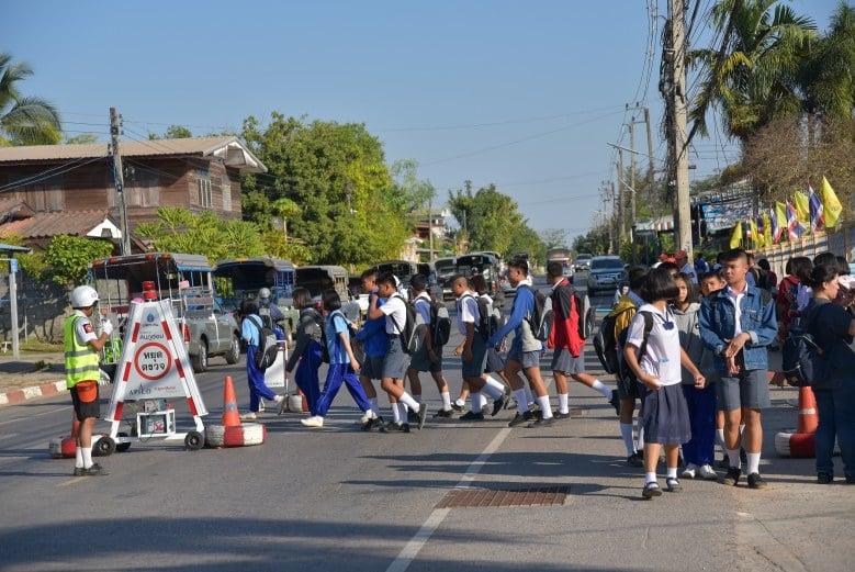 อาสาจราจรนักเรียน thaihealth