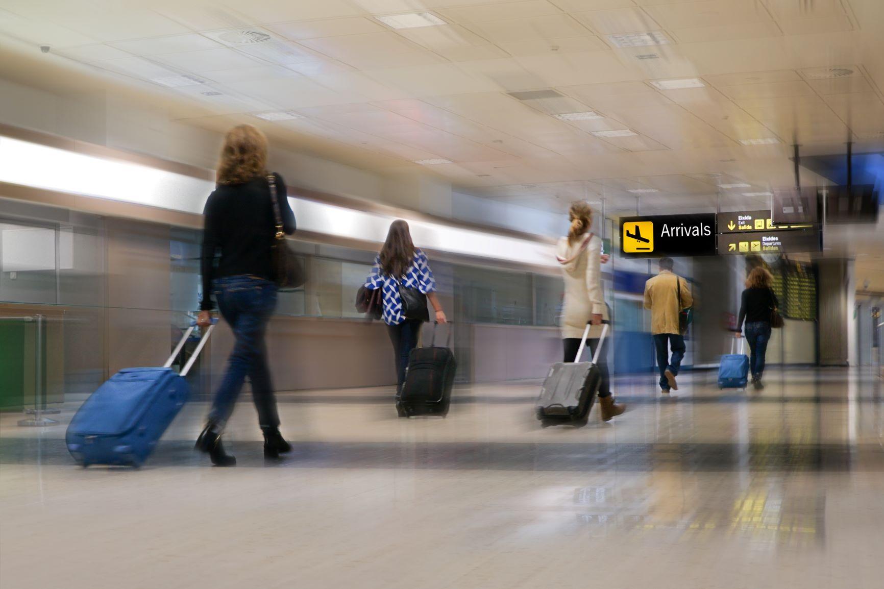 คุมเข้มคัดกรองผู้เดินทางเข้าประเทศ thaihealth