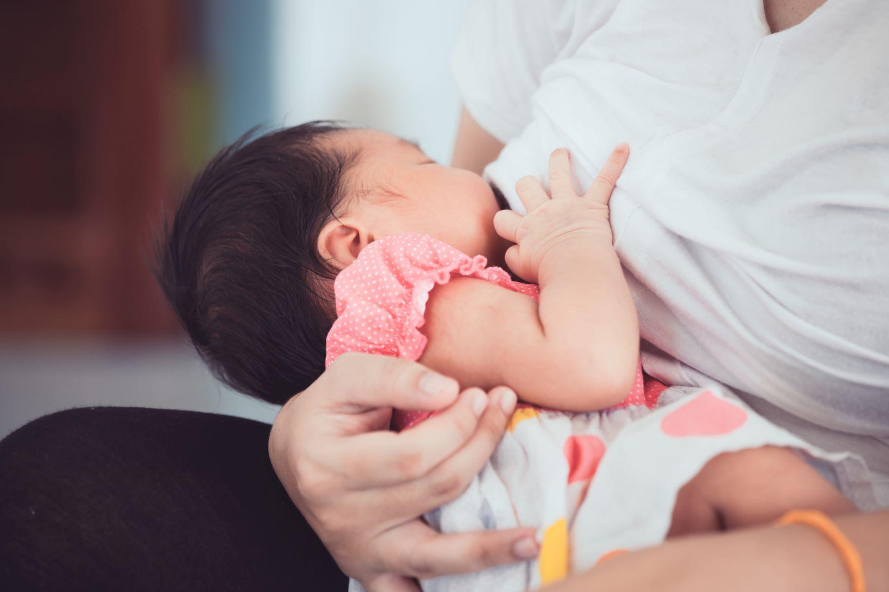 เลี้ยงลูกด้วยนมแม่ช่วงโควิด-19 ทำได้ แนะควรป้องกันอย่างดี thaihealth