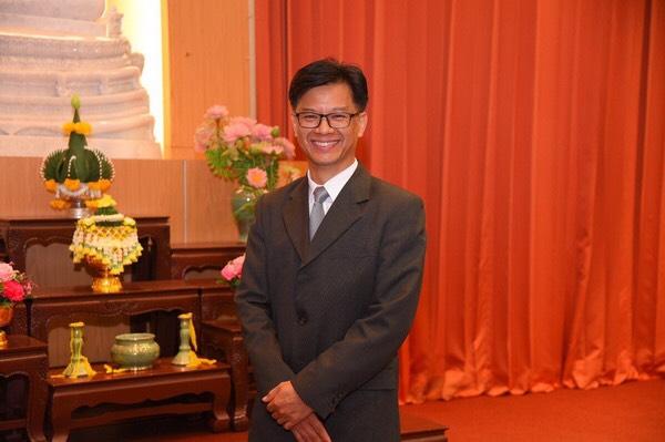 ชาวพุทธสืบสานประเพณีสงกรานต์ ทำบุญง่ายๆ กับพระในบ้าน  thaihealth