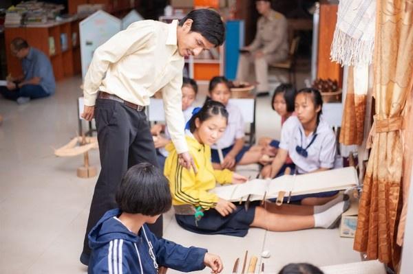 ผ้าทอพื้นบ้าน สานสายใยชุมชนร.ร.บ้านไม้ตะเคียน เรียนรู้ภูมิปัญญา พัฒนาสู่ทักษะอาชีพ thaihealth