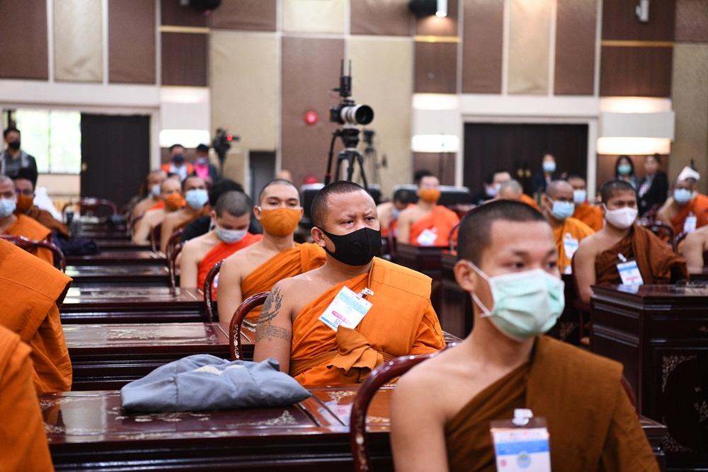พลังพระอาสา ช่วยแรงงานเมียนมารู้สู้โควิด thaihealth