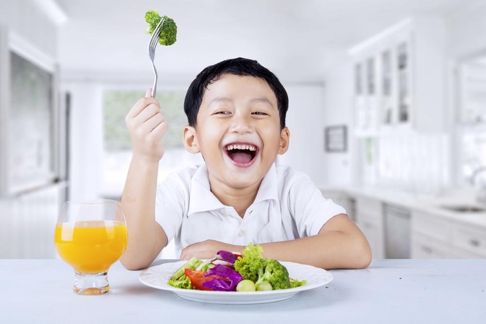 """3 วิธีเปลี่ยนนิสัย """"ลูกกินยาก"""" รับปีใหม่ thaihealth"""