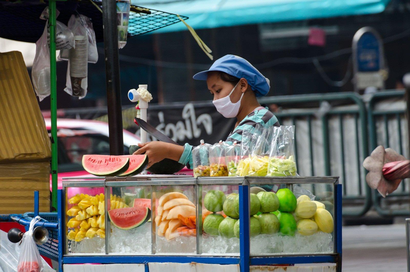 4 วิธีง่ายๆ เลือกซื้อผลไม้รถเข็น thaihealth