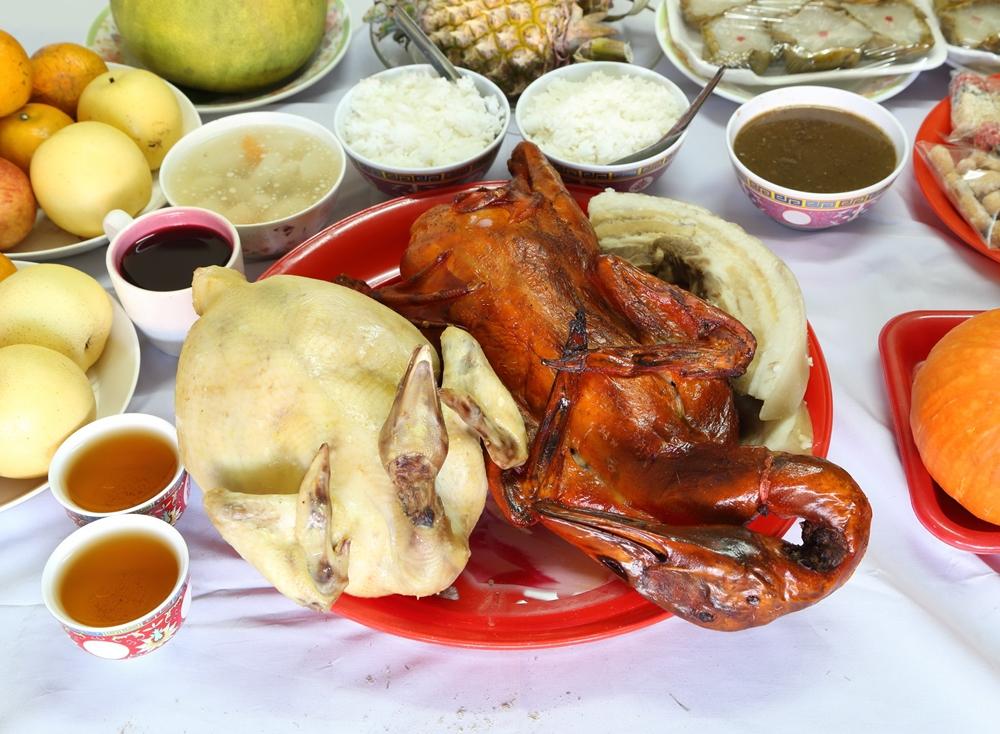อาหารไหว้เจ้าค้างนานเสี่ยงเชื้อจุลินทรีย์ thaihealth