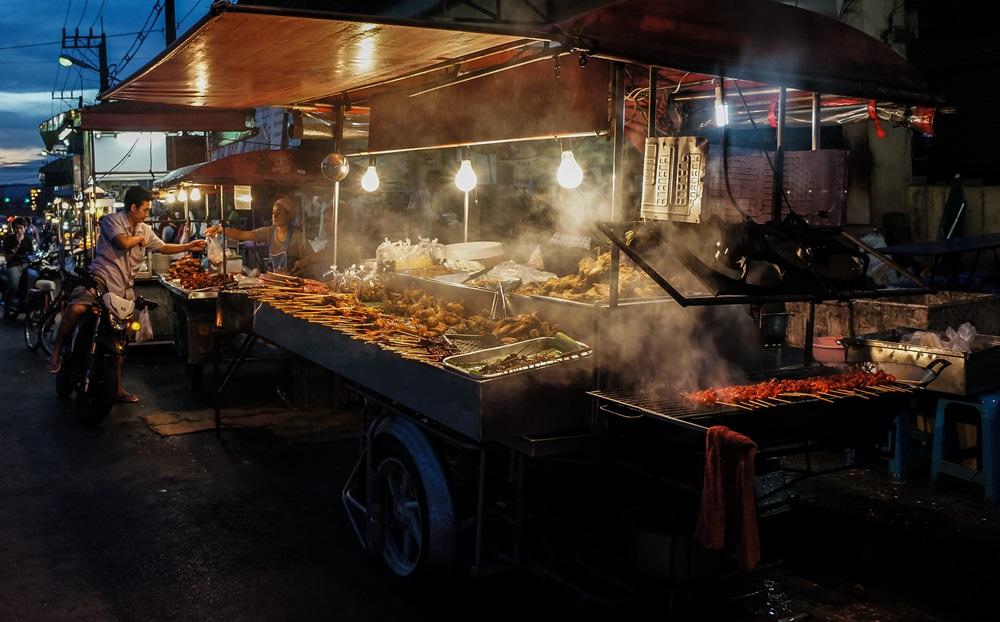 เลือกกินอาหารร้านริมฟุตบาท ต้องคำนึงถึงความสะอาด thaihealth